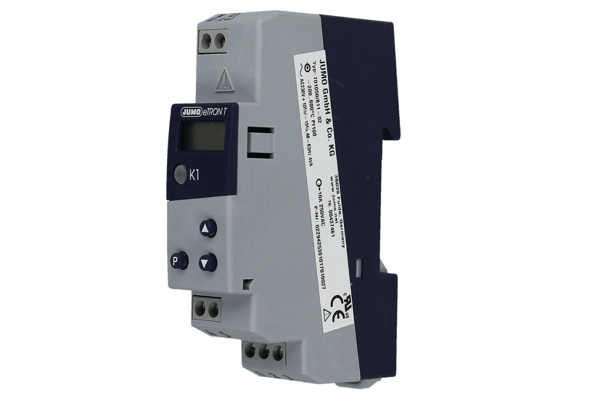 Un thermostat électronique à monter sur rail, compact et aux nombreuses fonctions